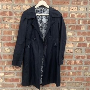 Guess: Black Trench Coat